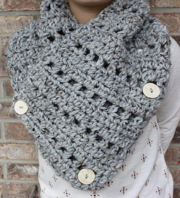 Holey Cowl Crochet Pattern - Crocht