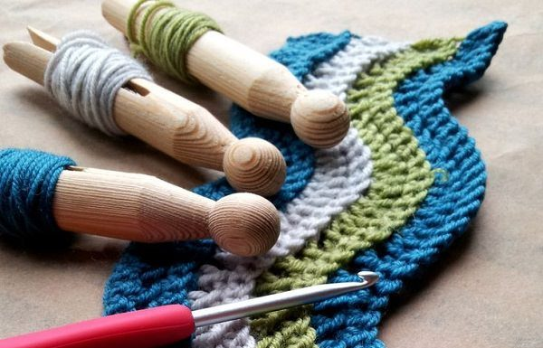 Many people get confused in Crochet and Knitting, here is a monograph to understand the Difference Between Crochet And Knitting