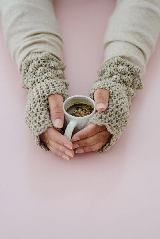DIY Crochet Hand Warmer 3