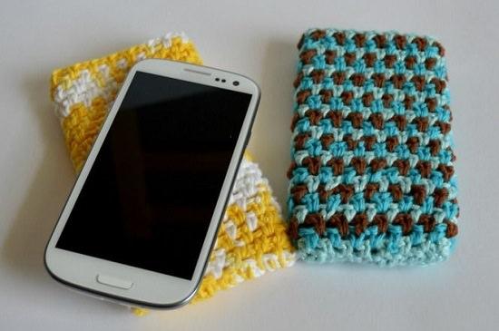 DIY Crochet Mobile Case 8