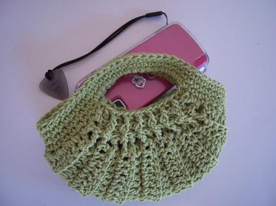 DIY Crochet Mobile Case 9