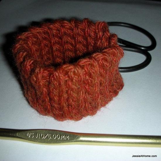 DIY Crochet Bracelet 13