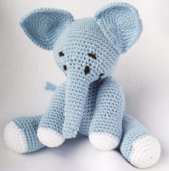Evelyn the Elephant: Free Crochet Elephant Pattern | | 556x550