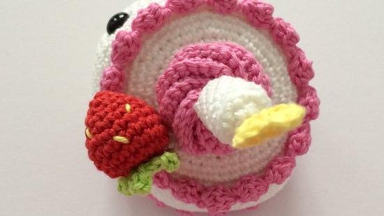 DIY Crochet Cake 9