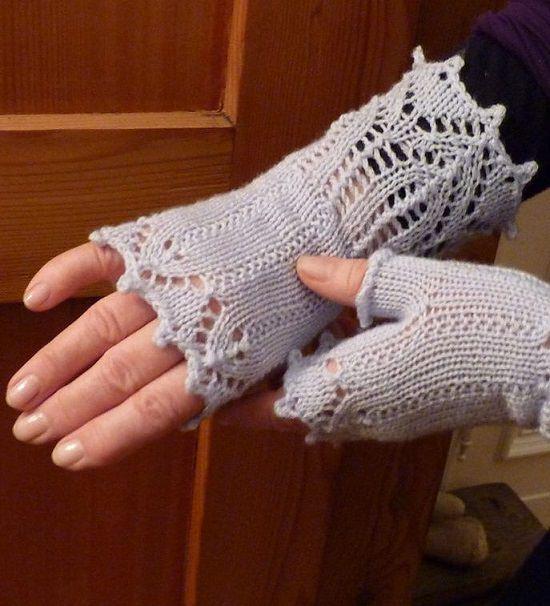 Free Fingerless Gloves Crochet Patterns that will turn heads