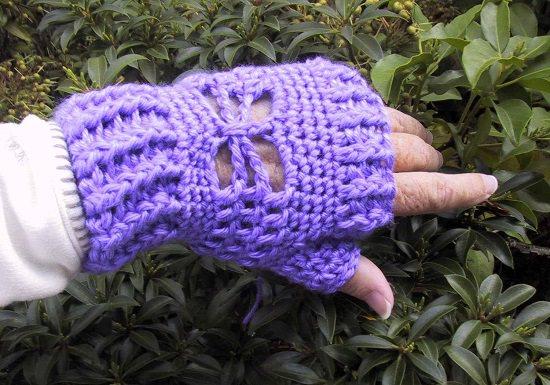 amazing Free Fingerless Gloves Crochet Patterns for gifting