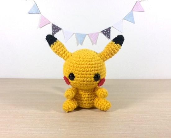 Crochet Pokemon Slowpoke Tail Keychain - YouTube | 446x550